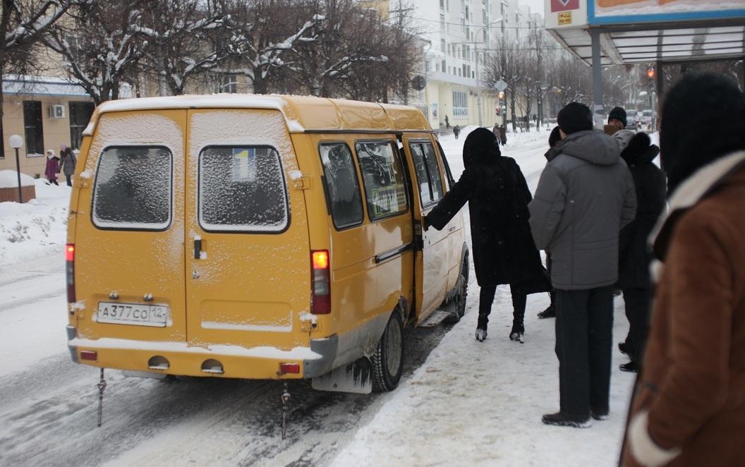 маршрутном такси,