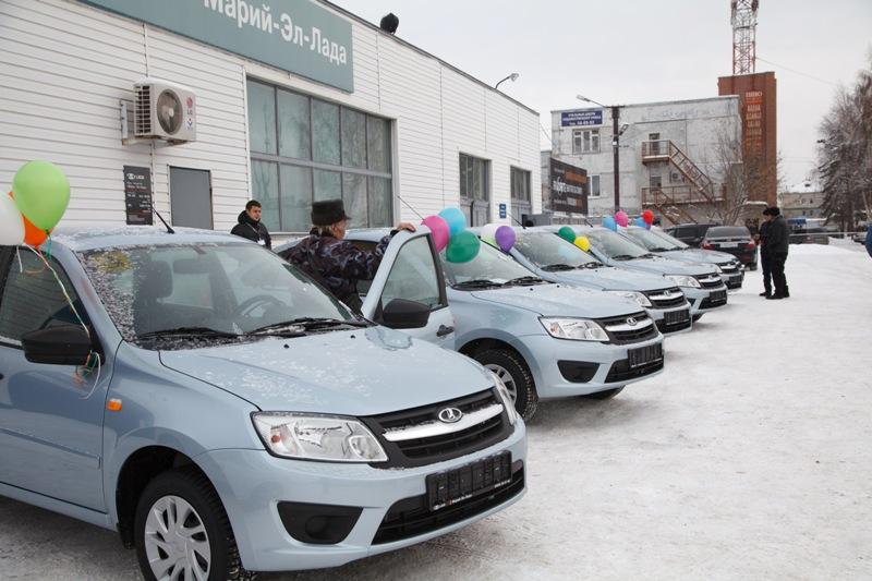 Фонд социального страхования вручил автомобиль жителю Горно-Алтайска