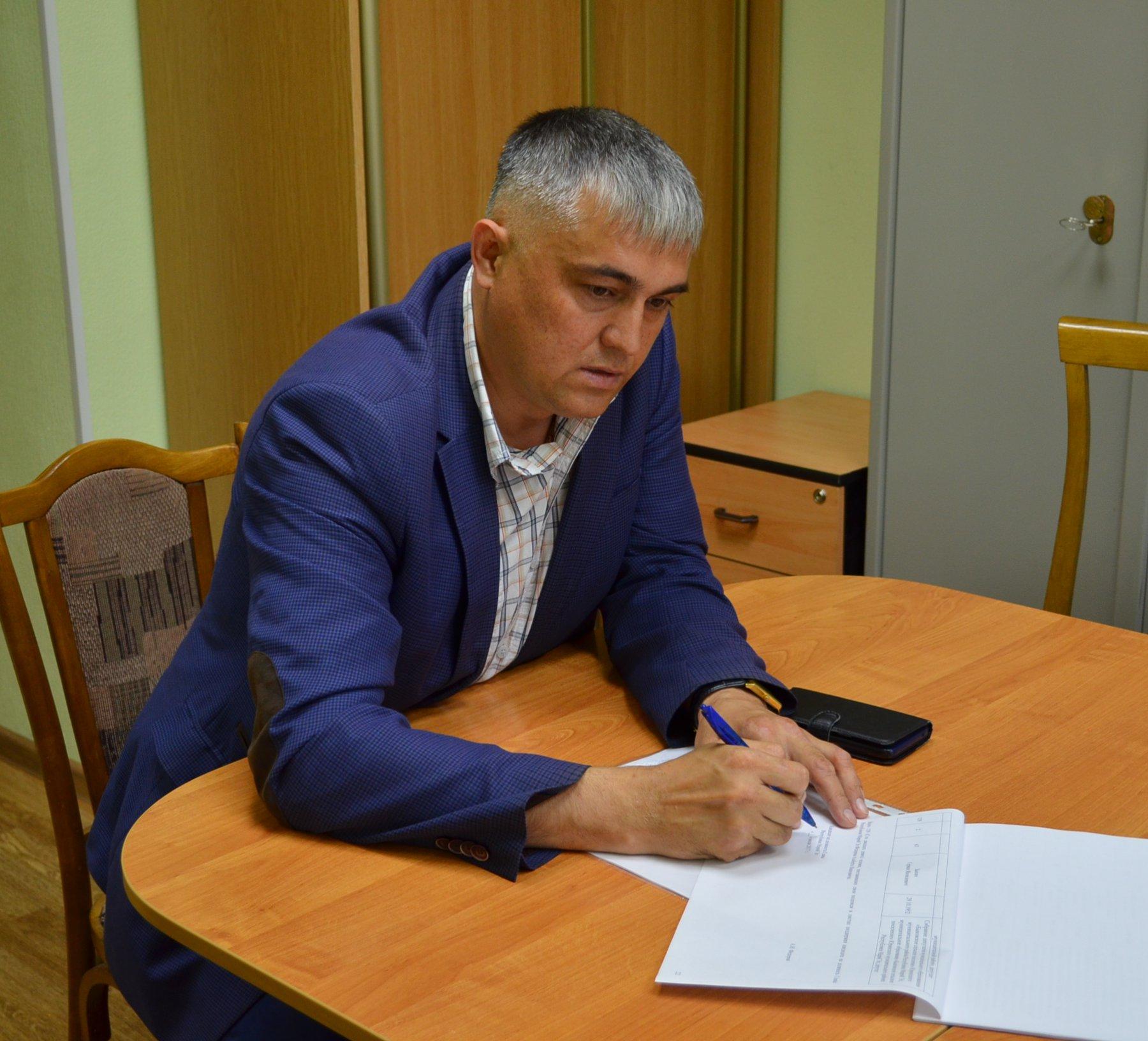 Кандидат от ЛДПР на выборы главы Марий Эл сдал подписи для прохождения муниципального фильтра