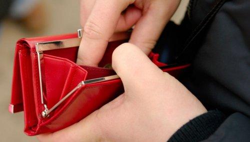 В Йошкар-Оле у девушки украли кошелек с 132 тысячами рублей