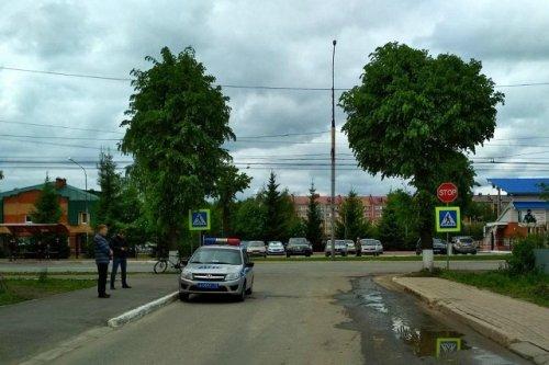 В поселке Медведево водитель иномарки сбил велосипедиста и скрылся с места ДТП