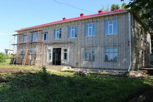 В селе Великополье Оршанского района продолжается реставрация местного дома культуры