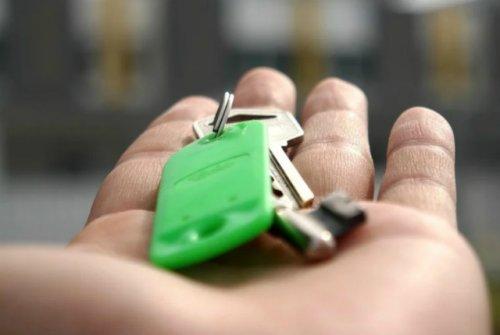Юридическая проверка квартиры на Росреестре поможет избежать обмана