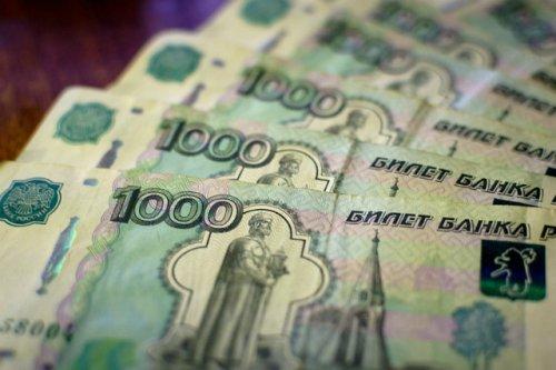 Таксист из Волжска попался на уловки телефонных мошенников