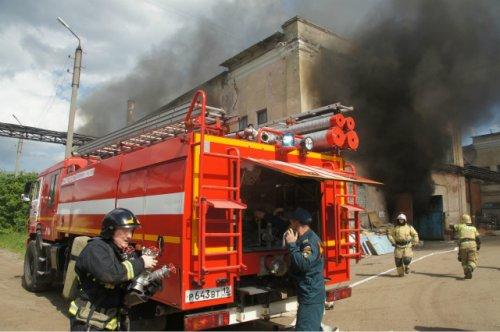 В Йошкар-Оле произошёл пожар в здании неэксплутируемого заводского цеха