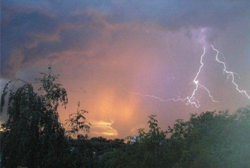 В субботу на территории Марий Эл ожидаются ливни, грозы, град и усиление ветра