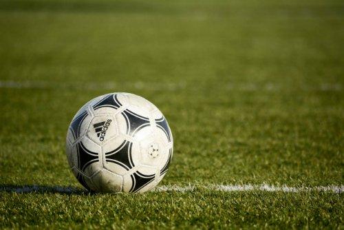 В посёлке Красногорский в этом году появится футбольное поле с искусственным газоном