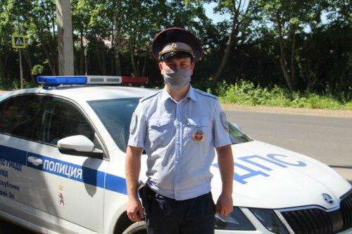 Инспектор ДПС в нерабочее время задержал мужчину, похитившего товар из магазина