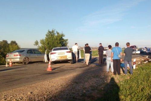 На трассе в Марий Эл столкнулись две иномарки, погибли три человека