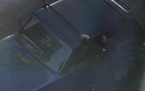 Сотрудники уголовного розыска по горячим следам раскрыли кражу из автомашины