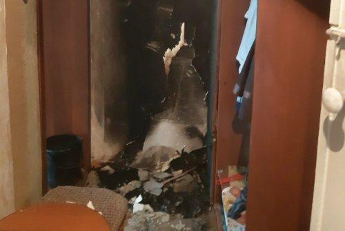 Огнеборцы спасли пожилую женщину во время пожара в городе Волжске
