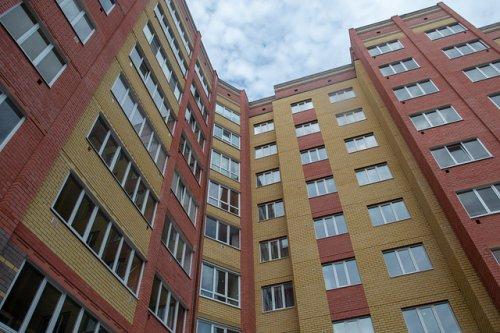 До 2025 года жильцы 400 многоквартирных домов, признанных аварийными, станут новосёлами