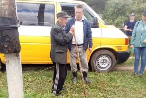 Спасатели, полицейские и местные жители два дня искали в лесу пенсионера