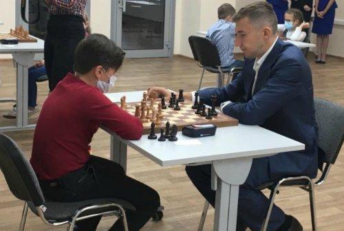 Известный шахматист Сергей Карякин наградил одаренных спортсменов из Марий Эл