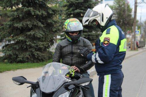 Сегодня в Звенигове полицейские обращают пристальное внимание на мотоциклистов