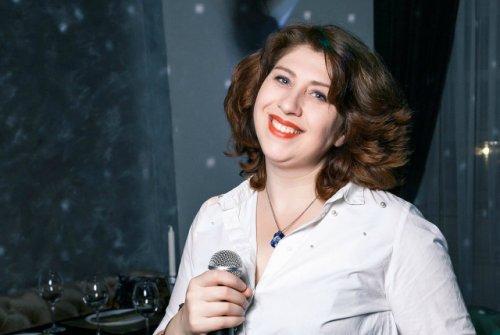 Марина Кропинова, певица: «Именно через песню мне всегда хочется сказать людям что-то хорошее и доброе».