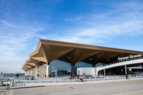 Самолет Санкт-Петербург - Йошкар-Ола возвращается в Пулково из-за неисправной стойки шасси