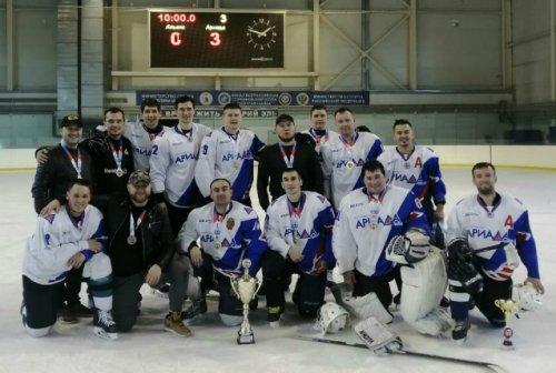 Хоккеисты из Волжска стали победителями ветеранского турнира в честь Марка Евтюхина