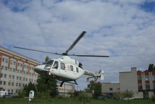 Вертолет санавиации продолжает доставлять пациентов из районов Марий Эл в Йошкар-Олу