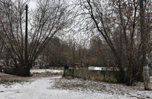 Мэрия Йошкар-Олы обратила внимание на заброшенную спортивную площадку в Девятом микрорайоне