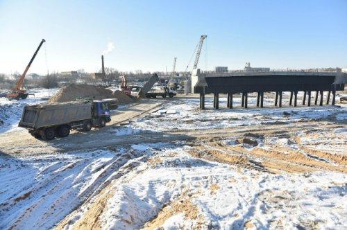Специалисты начинают устройство напорной канализации в районе строительства новой магистрали