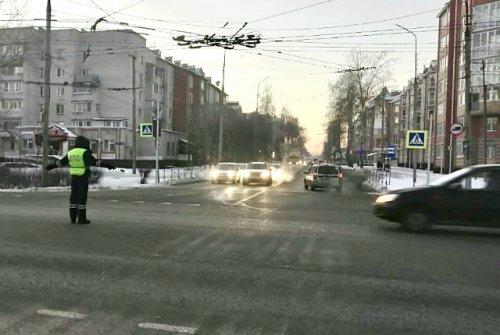 Водители, едущие в сторону посёлка Медведево, будут вспоминать жесты регулировщика
