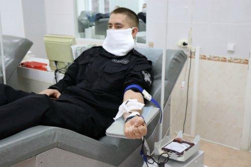 Сотрудники Росгвардии пополнили банк крови станции переливания в Йошкар-Оле