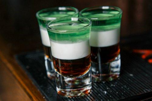 Нарколог назвал дозу алкоголя, которая может считаться безвредной