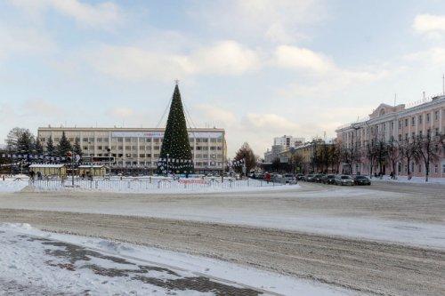 На период новогодних праздников ограничат движение в районе площади Ленина