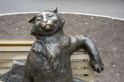 «Йошкин кот» претендует на звание самой необычной скульптуры России