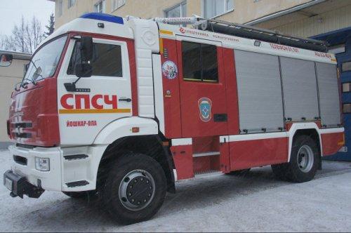 Автопарк спасателей пополнился новыми автомобилями и пожарными цистернами