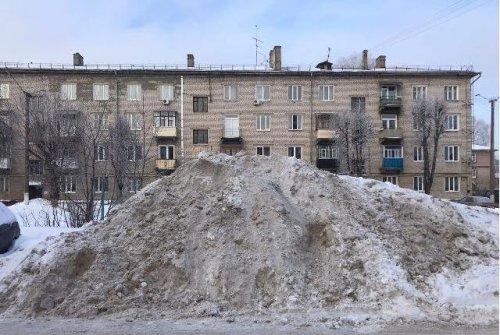 В Йошкар-Оле при уборке снега некоторые не выполняют правила благоустройства