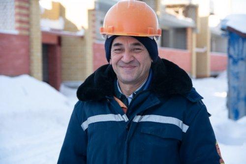 Василий Николашкин:  «Не каждому дано так щедро жить, друзьям на память города дарить»