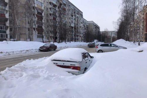 В ночь с четверга на пятницу коммунальные службы будут чистить от снега улицу Эшкинина