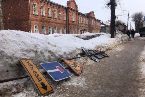 На две недели из-за ремонта ограничивается движение транспорта  на улице Советской