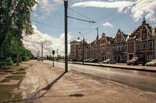 На улице Эшкинина в этом году отремонтируют и проезжую часть, и тротуары