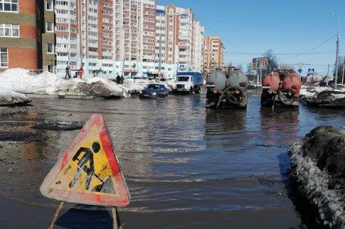Коммунальные службы Йошкар-Олы начали откачивать воду из «Ползуновского моря»