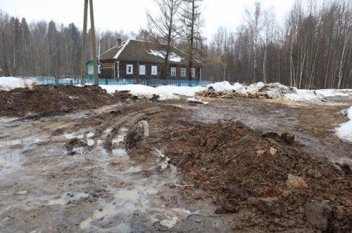 Жители посёлка Нужъялы жалуются на отсутствие центрального водоснабжения