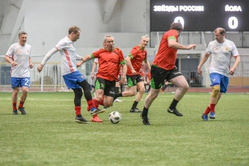 «Звёзды» российского футбола сыграли товарищеский матч с командой агрохолдинга из Марий Эл