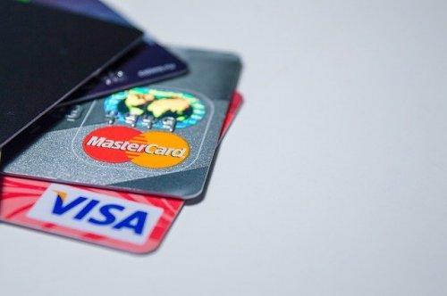 Компании Visa и Mastercard заявили, что работают в России без изменений