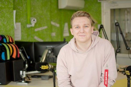 Илья Сапожников: «Я с детства хотел попасть на радио, но сам для этого ничего не делал»