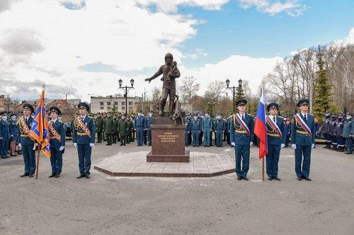 В Йошкар-Оле официально открыли памятник «Пожарным и спасателям - героям мирного времени»