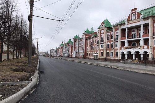 Улицу Эшкинина открыли для автотранспорта после первого этапа ремонтных работ
