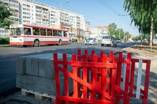 На Ленинском проспекте Йошкар-Олы по гарантии устранили дефекты дорожного покрытия