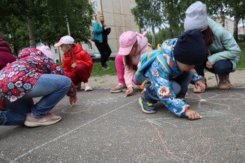 Взрослые организовали большой праздник для маленьких жителей села Семёновка