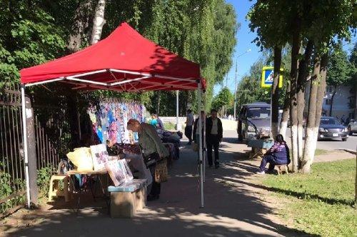 Сотрудники мэрии Йошкар-Олы и полицейские пресекают незаконную уличную торговлю