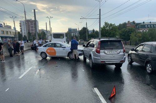 Причиной транспортного коллапса в Йошкар-Оле стал неправильный выбор безопасной дистанции