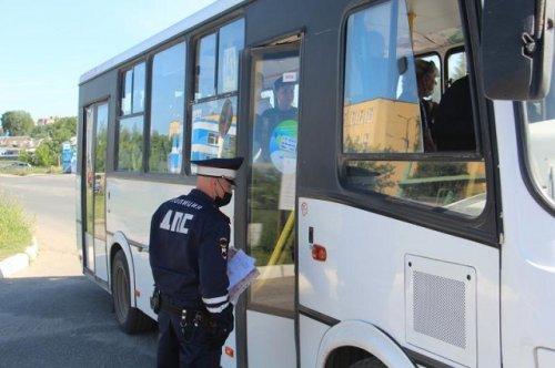 Сотрудники ГИБДД проверили насколько безопасны в Марий Эл автобусы