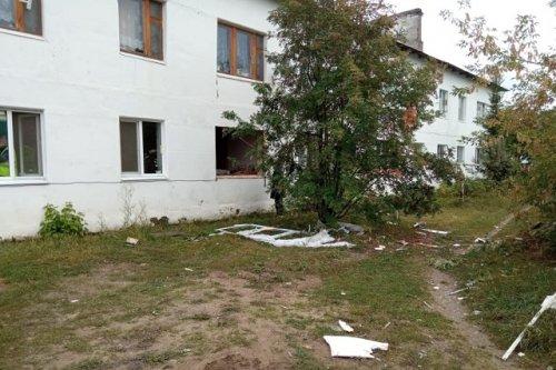 Два человека пострадали при хлопке газовоздушной смеси в доме в посёлке Красногорский