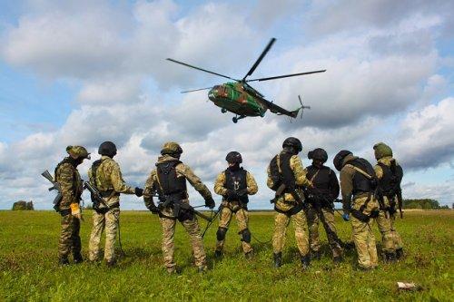 Спецподразделения Управления Росгвардии по Марий Эл провели занятия по десантной подготовке